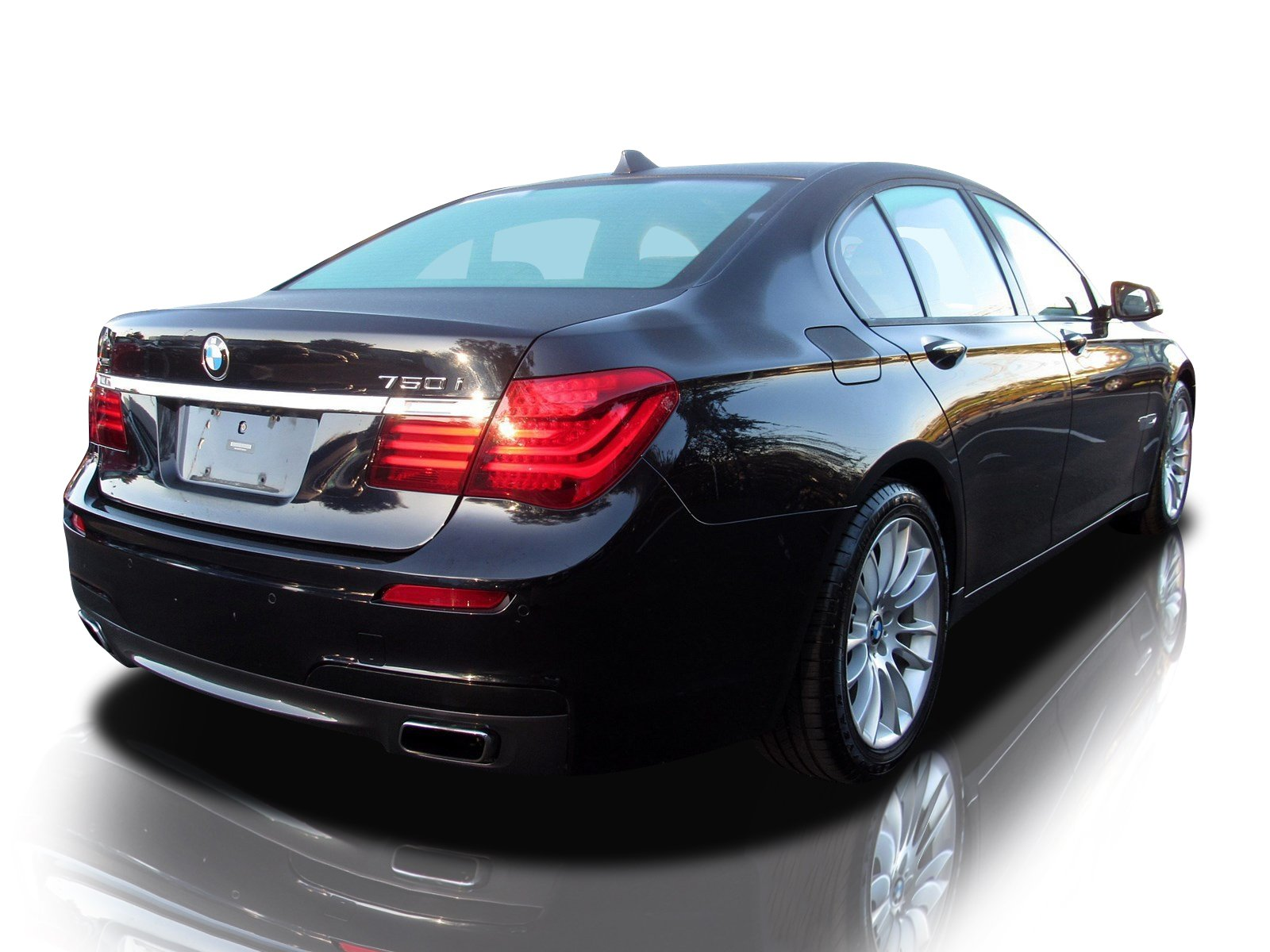 Pre-Owned 2015 BMW 7 Series 750i xDrive